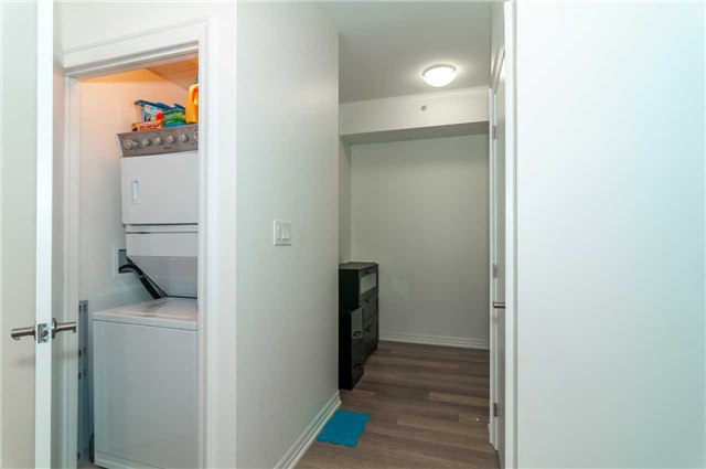 Condo Apartment at 111 Worsley St, Unit 407, Barrie, Ontario. Image 5