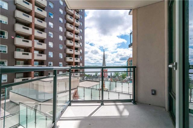 Condo Apartment at 111 Worsley St, Unit 407, Barrie, Ontario. Image 6