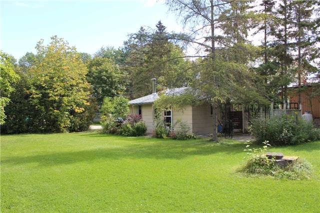 Cottage at 1392 Miami Ave, Ramara, Ontario. Image 13