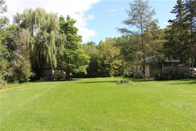 Cottage at 1392 Miami Ave, Ramara, Ontario. Image 15