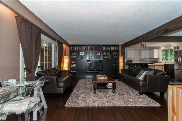 Detached at 6 Laird Dr, Springwater, Ontario. Image 7