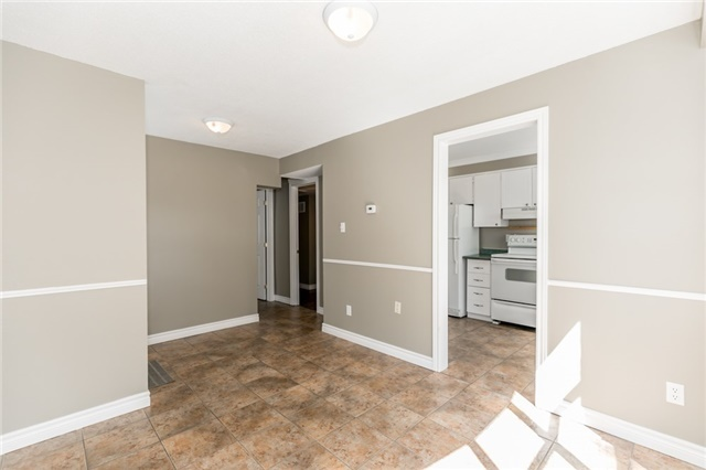 Detached at 88 Fox Run St, Barrie, Ontario. Image 12
