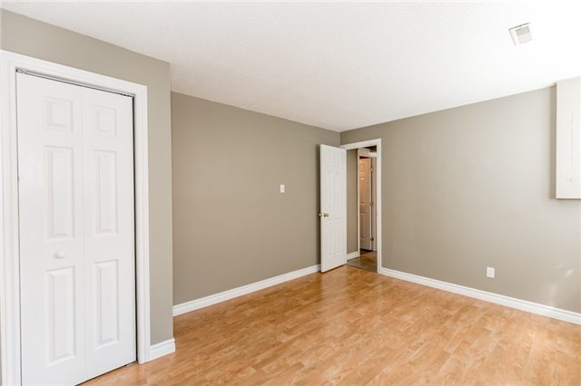 Detached at 88 Fox Run St, Barrie, Ontario. Image 17