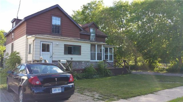 Semi-detached at 30 Cumberland St, Barrie, Ontario. Image 1