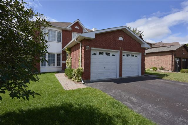 Detached at 40 Carr Dr, Barrie, Ontario. Image 1