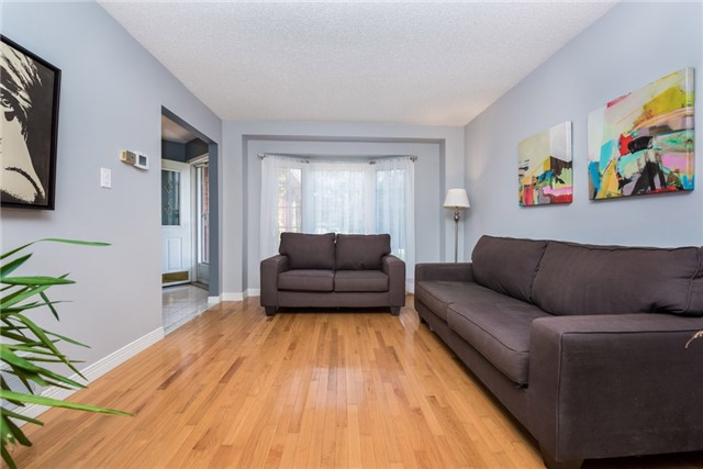 Detached at 40 Carr Dr, Barrie, Ontario. Image 15