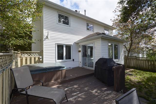 Detached at 40 Carr Dr, Barrie, Ontario. Image 11