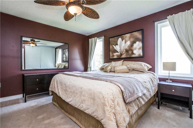 Detached at 60 Country Lane, Barrie, Ontario. Image 15