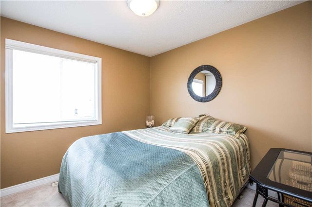 Detached at 60 Country Lane, Barrie, Ontario. Image 2
