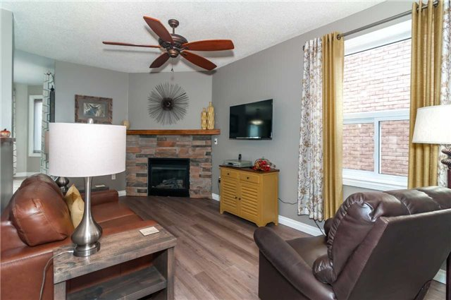 Detached at 112 Birchwood Dr, Barrie, Ontario. Image 12