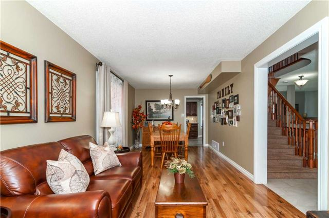 Detached at 112 Birchwood Dr, Barrie, Ontario. Image 17