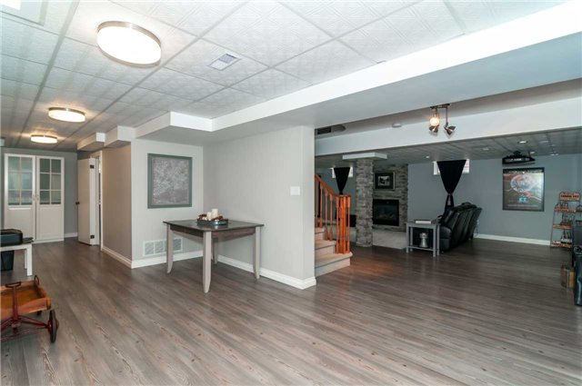 Detached at 112 Birchwood Dr, Barrie, Ontario. Image 8