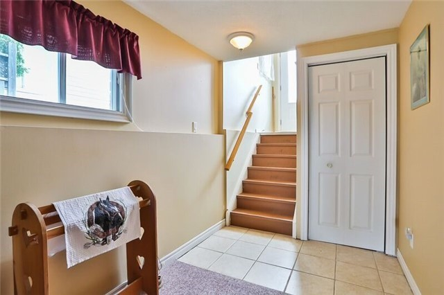 Link at 16 Rundle Cres, Barrie, Ontario. Image 4