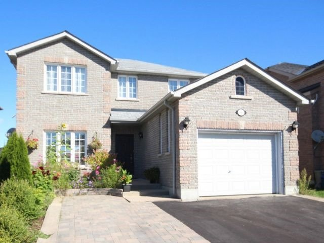 Detached at 66 Jessica Dr, Barrie, Ontario. Image 1