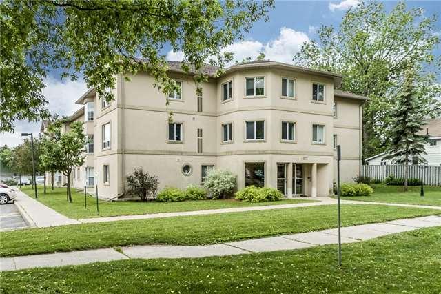Condo Apartment at 107 Bond St, Unit 306, Orillia, Ontario. Image 1