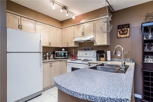 Condo Apartment at 107 Bond St, Unit 306, Orillia, Ontario. Image 4