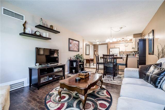 Condo Apartment at 107 Bond St, Unit 306, Orillia, Ontario. Image 6