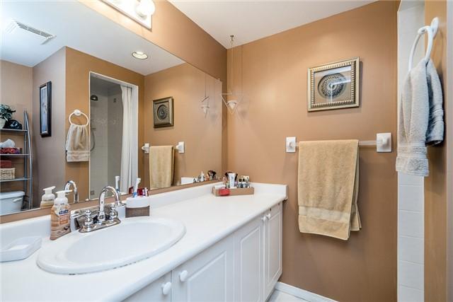 Condo Apartment at 107 Bond St, Unit 306, Orillia, Ontario. Image 8