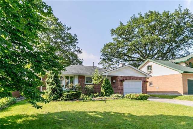 Detached at 161 Letitia St, Barrie, Ontario. Image 1