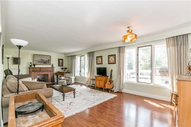 Detached at 161 Letitia St, Barrie, Ontario. Image 15