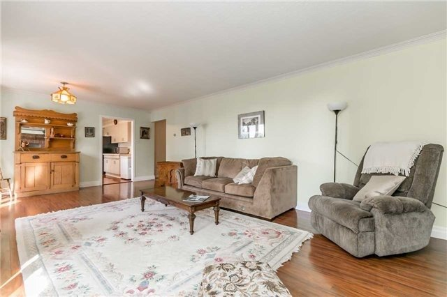 Detached at 161 Letitia St, Barrie, Ontario. Image 16