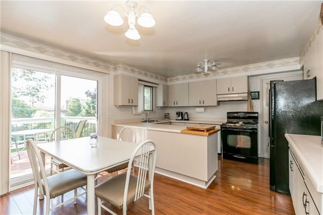 Detached at 161 Letitia St, Barrie, Ontario. Image 17