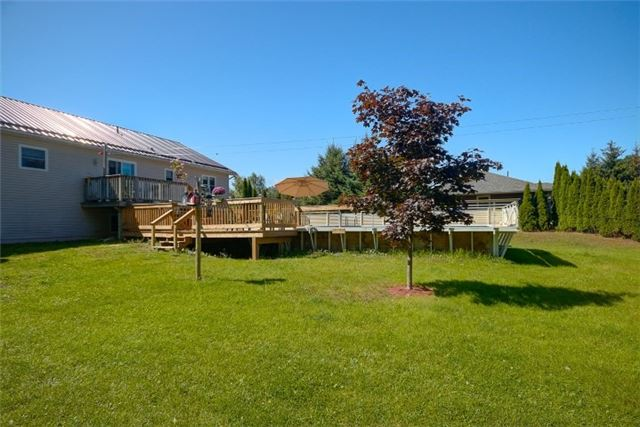 Detached at 418 Warrington Rd, Clearview, Ontario. Image 5
