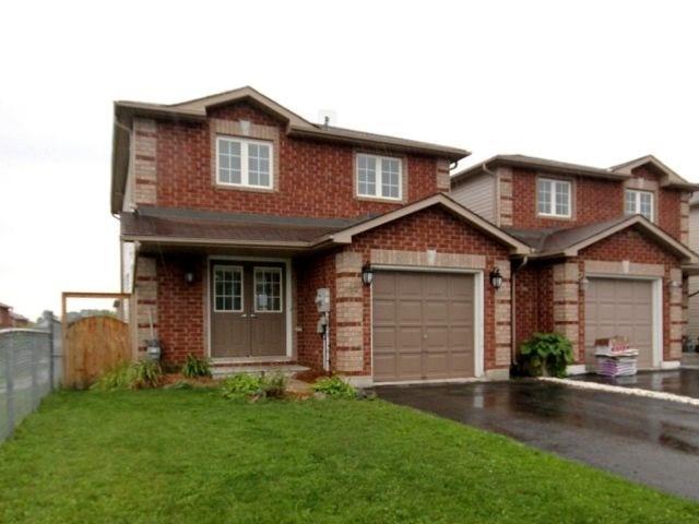 Link at 48 Dunsmore Lane, Barrie, Ontario. Image 3