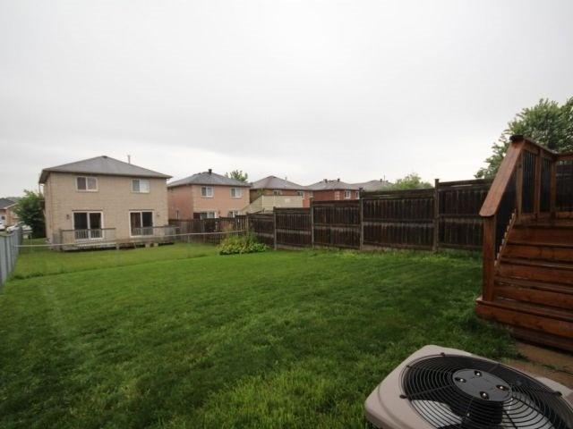 Link at 48 Dunsmore Lane, Barrie, Ontario. Image 2