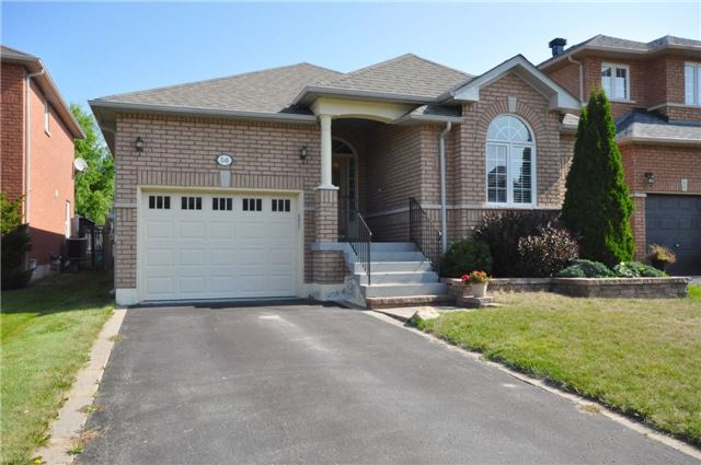 Detached at 50 Prince Of Wales Dr, Barrie, Ontario. Image 1