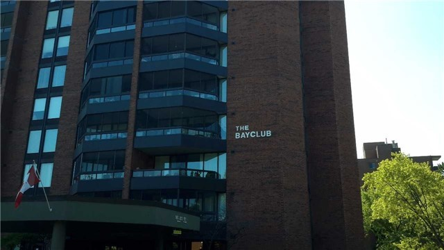 Condo Apartment at 181 Collier St, Unit 1005, Barrie, Ontario. Image 7