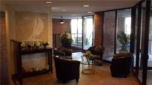 Condo Apartment at 181 Collier St, Unit 1005, Barrie, Ontario. Image 4