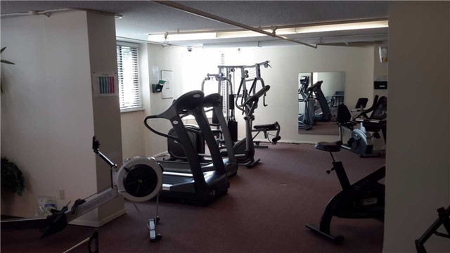 Condo Apartment at 181 Collier St, Unit 1005, Barrie, Ontario. Image 6