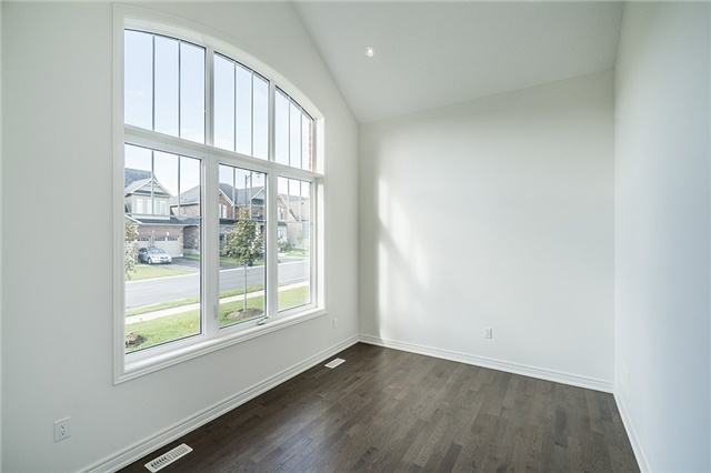 Detached at 22 Cameron St, Springwater, Ontario. Image 11
