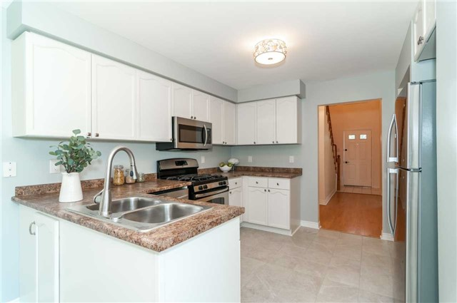 Detached at 53 Orwell Cres, Barrie, Ontario. Image 14