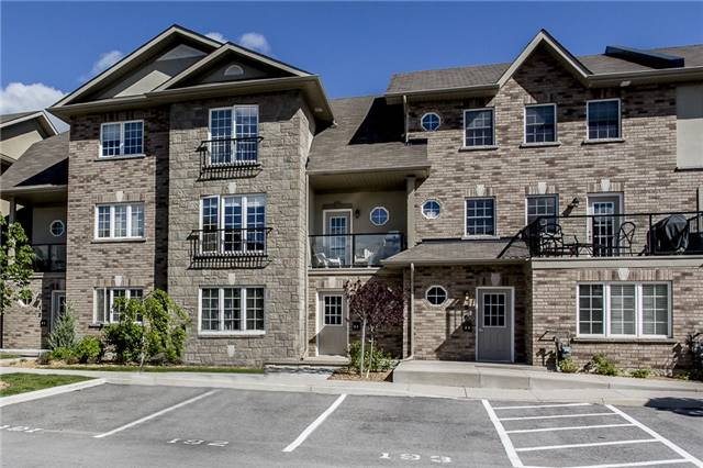 Condo Townhouse at 53 Ferndale Dr S, Unit 4, Barrie, Ontario. Image 1