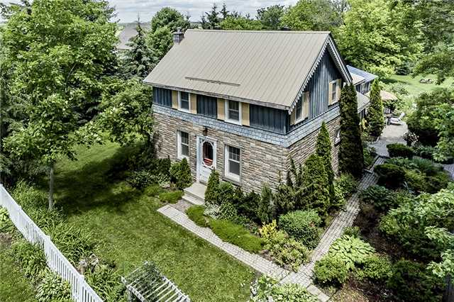 Detached at 3445 Mccarthy Dr, Clearview, Ontario. Image 1