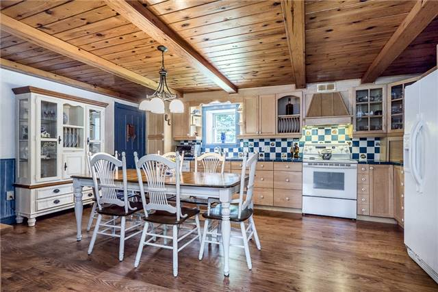 Detached at 3445 Mccarthy Dr, Clearview, Ontario. Image 4