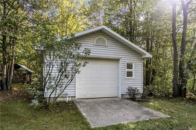 Detached at 4073 6 Line N, Oro-Medonte, Ontario. Image 3
