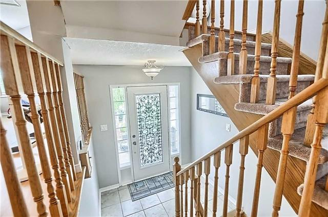 Detached at 23 Lucas Ave, Barrie, Ontario. Image 12