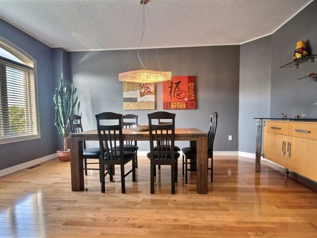 Detached at 11 Stapleton Pl, Barrie, Ontario. Image 14
