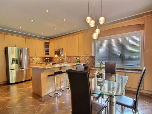 Detached at 11 Stapleton Pl, Barrie, Ontario. Image 16