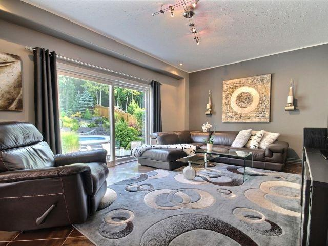 Detached at 11 Stapleton Pl, Barrie, Ontario. Image 19