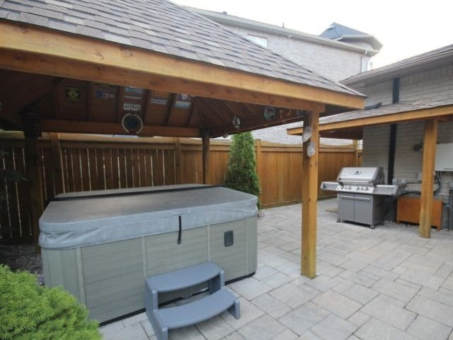 Detached at 11 Stapleton Pl, Barrie, Ontario. Image 10
