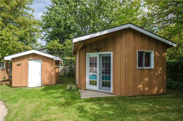 Detached at 176 Collins St S, Collingwood, Ontario. Image 7