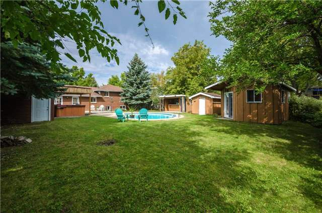 Detached at 176 Collins St S, Collingwood, Ontario. Image 8
