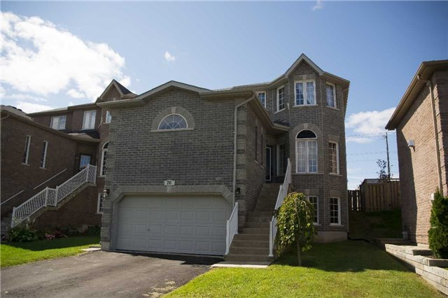Detached at 26 Tascona Crt, Barrie, Ontario. Image 1