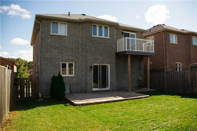 Detached at 26 Tascona Crt, Barrie, Ontario. Image 7