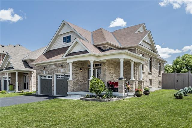 Detached at 2 Pearcey Cres, Barrie, Ontario. Image 1