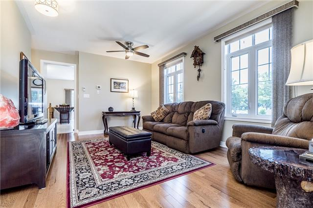 Detached at 2 Pearcey Cres, Barrie, Ontario. Image 5